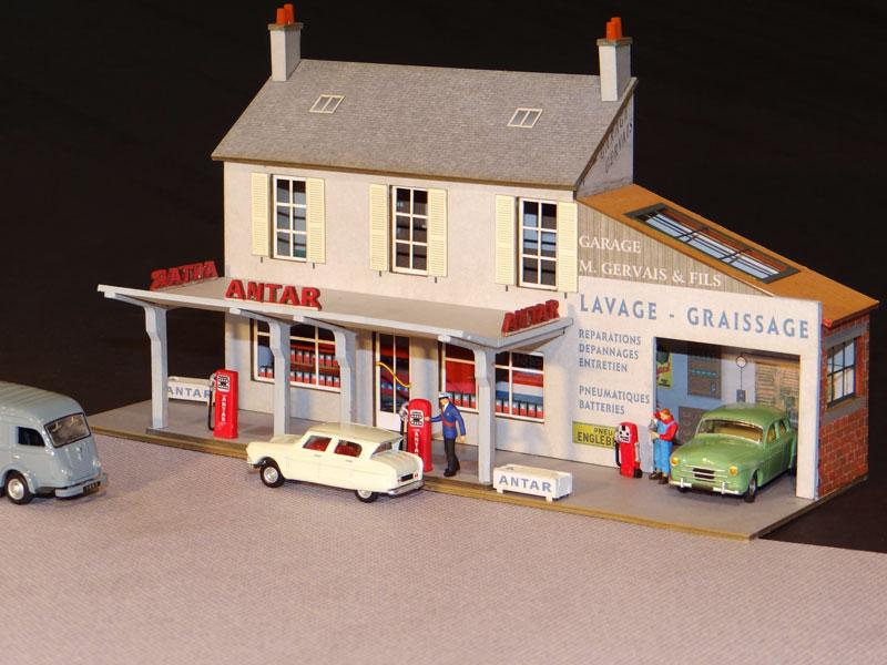 fa ade station service et garage r gions compagnies maquettes en carton imprim pr d coup. Black Bedroom Furniture Sets. Home Design Ideas