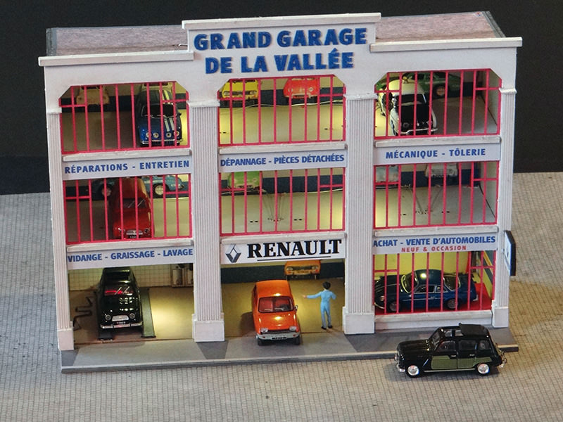 Fa ade grand garage renault r gions compagnies for Grand garage feray renault