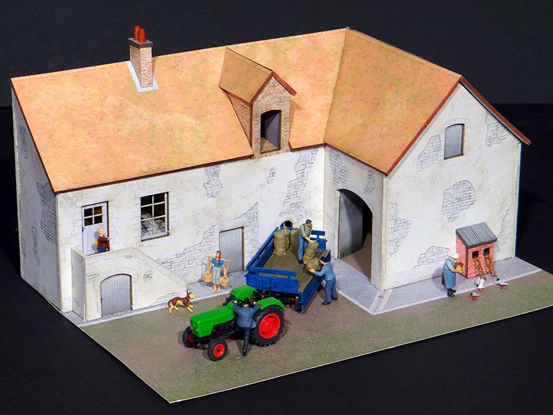 fa ade ferme avec grange r gions compagnies maquettes en carton imprim pr d coup au laser. Black Bedroom Furniture Sets. Home Design Ideas