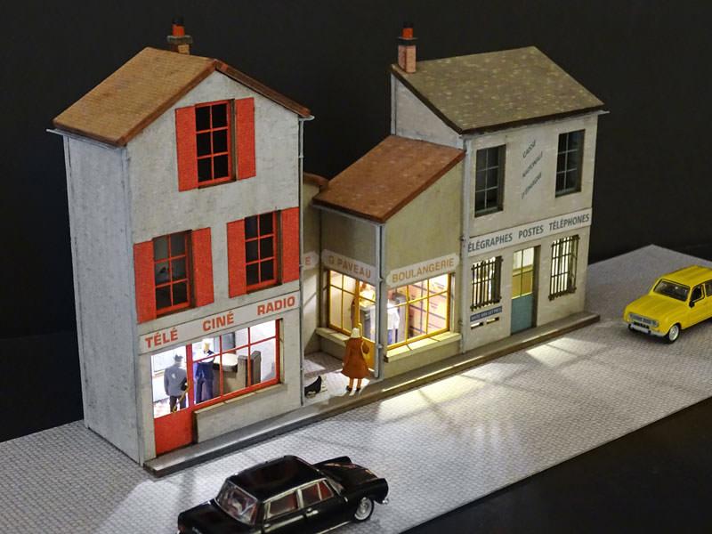 Fond De D Cor En Relief 3 Maisons Avec Poste R Gions Compagnies Maquettes En Carton