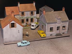 cour entour e de 3 maisons le de france r gions compagnies maquettes en carton imprim. Black Bedroom Furniture Sets. Home Design Ideas