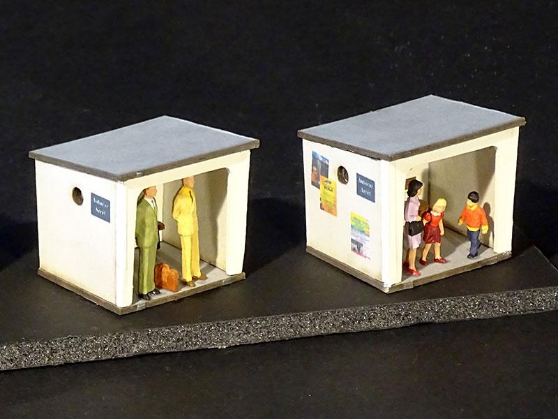 3 abribus en b ton 1 abribus en bois r gions compagnies maquettes en carton imprim. Black Bedroom Furniture Sets. Home Design Ideas